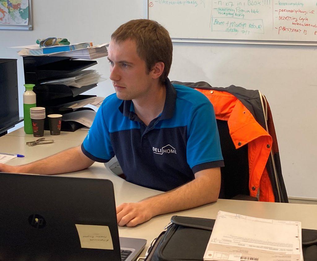Martin Kuiper aan het werk als Transportplanner bij Deli Home